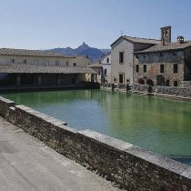 Vasca termale di Bagno Vignoli