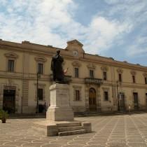 Statua di Publio Ovidio a Sulmona