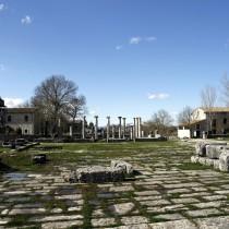 Zona archeologica di Attilia con la vecchia Saepinum.